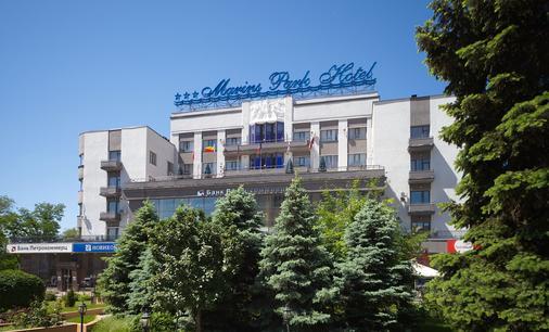 Marins Park Hotel Rostov - Rostov on Don - Κτίριο