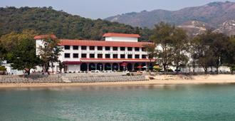 Silvermine Beach Resort - Hong Kong - Building