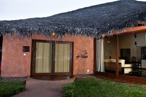 Ravintsara Wellness Hotel - Nosy Be - Gebäude