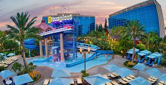Disneyland Hotel - אנהיים - בניין
