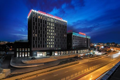 Airport Hotel Okęcie - Warsaw - Building
