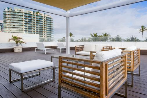 Penguin Hotel - Miami Beach - Parveke