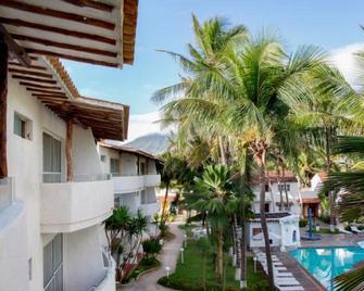 Le Flamboyant - Playa El Agua - Building