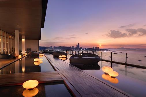 Hilton Pattaya - Pattaya - Balcony