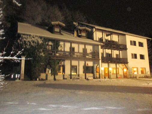 Club 21 - Lavarone - Building