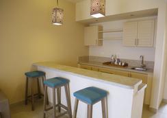 Byoum Lakeside Hotel - 'Izbat an Nāmūs - Kitchen