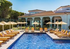 The Magnolia Hotel - Almancil - Piscina