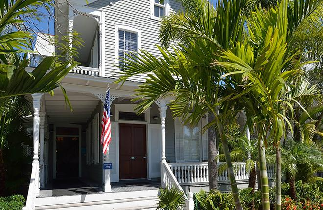 The Chelsea House - Key West - Building