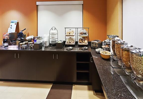 Residence Inn by Marriott Houston Sugar Land/Stafford - Stafford - Φαγητό