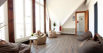 Blue Doors Hostel Altstadt - רוסטוק - סלון