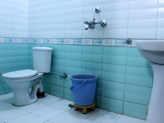 Hotel Sunshine - Haridwar - Phòng tắm