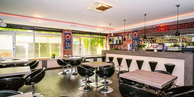 Smart Stay Hostel Munich City - Munich - Bar