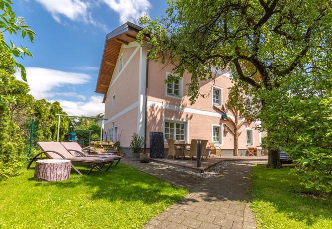 Das Grüne Hotel Zur Post - 100 % Bio - Salzburg - Building