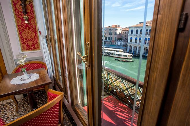 Antica Locanda Sturion - Residenza D'epoca - Venice - Balcony