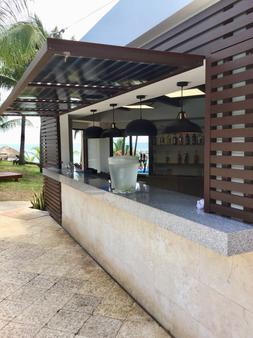 法蘭達酒店多斯普拉亞斯海灘別墅酒店 - 坎昆 - 坎昆 - 酒吧