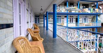 Gostops Manali - Manali - Balcón