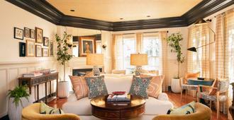 Life House, Nantucket - Nantucket - Living room