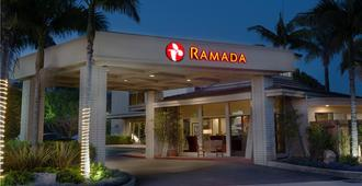 Ramada by Wyndham Santa Barbara - Санта-Барбара