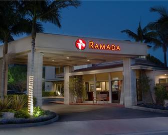 Ramada by Wyndham Santa Barbara - Santa Barbara - Building