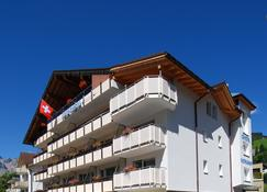 Hotel Crystal Engelberg - Engelberg - Building