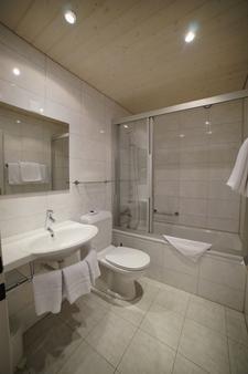 Hotel Crystal Engelberg - Engelberg - Bathroom