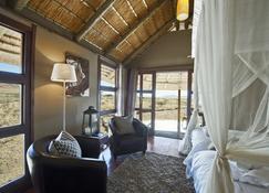 Hoodia Desert Lodge - Sesriem - Living room
