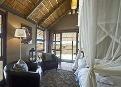 Hoodia Desert Lodge - Sesriem - Living room
