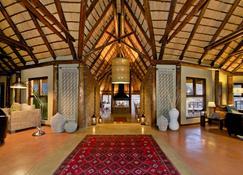 Hoodia Desert Lodge - Sesriem - Lobby