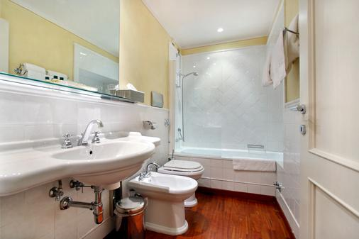 Piccolo Apart Residence - Florence - Bathroom
