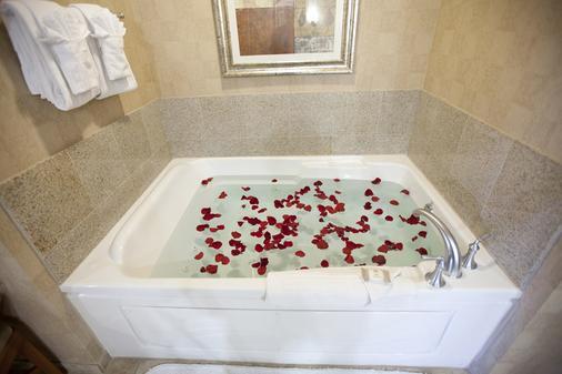 Platinum Hotel - Las Vegas - Bathroom