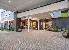 希爾頓歐文惠庭酒店 - DFW 機場北 - 厄文 - 歐文 - 建築