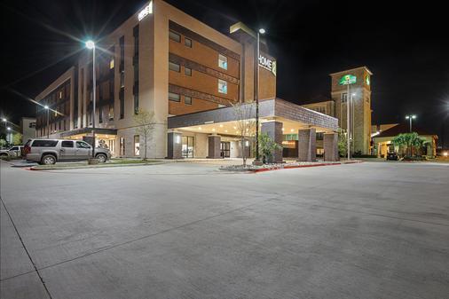 Home2 Suites By Hilton Dallas Grand Prairie - Grand Prairie - Building