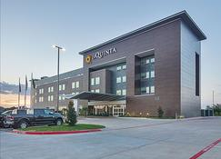 La Quinta Inn & Suites by Wyndham Plano Legacy Frisco - Plano - Edifício