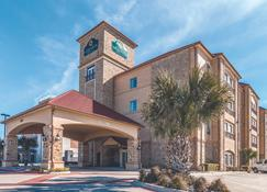 La Quinta Inn & Suites by Wyndham Dallas Grand Prairie South - Grand Prairie - Rakennus