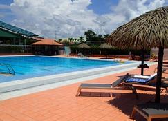 Hotel Des Roches - Kourou - Pool