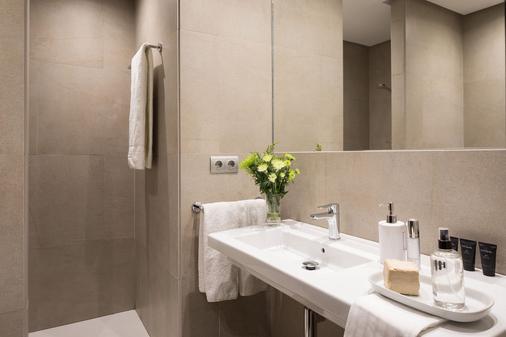 Hotel Fernando III - Sevilla - Bathroom