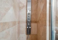 Suites On South Beach - Miami Beach - Bathroom