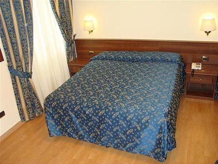 瑪亞諾酒店 - 羅馬 - 羅馬 - 臥室