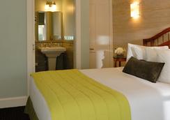 奧爾伯里庭苑酒店 - 基韋斯特酒店 - 西嶼 - 基韋斯特 - 臥室