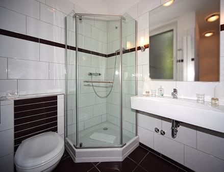 โรงแรมฮันเซอโฮฟ - ฮัมบูร์ก - ห้องน้ำ