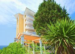 Wellness Hotel Apollo - LifeClass Hotels & Spa - Portorož - Budynek