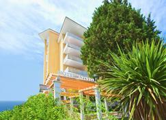 Wellness Hotel Apollo - LifeClass Hotels & Spa - Portorose - Edificio