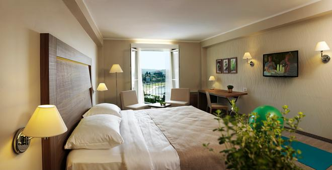 Wellness Hotel Apollo - LifeClass Hotels & Spa - Portorož - Bedroom