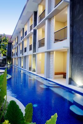 峇里島巴龍酒店 - 庫塔 - 庫塔 - 游泳池
