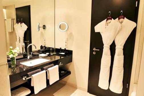 Steigenberger Hotel Bad Homburg - Bad Homburg - Bathroom