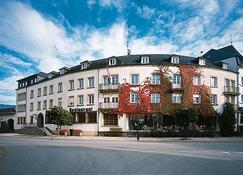 Hotel Kinnen - Berdorf - Gebouw