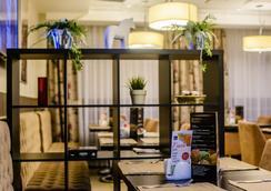 Best Western Kaluga Hotel - Kaluga - Recepción