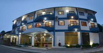 Bombinhas Palace Hotel - בומבינהאס - בניין
