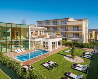 Lifestyle Resort Zum Kurfürsten - Бернкастель-Кюс - Здание