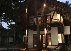 Siargao Island Villas - General Luna - Building